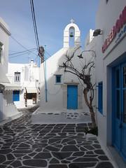 Calle tpica. Chora. Isla de Mikonos. Grecia (escandio) Tags: grecia chora mikonos 2015 cicladas islademikonos