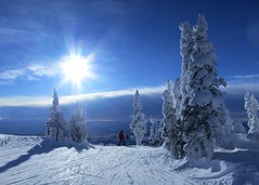 Sun Peaks lives up to its name (Ruth and Dave) Tags: catrin dave skier snowboarder father daughter child sunpeaks skiresort crystalzone todmountain trees snowghosts signs skirun sun sky clouds weather weatherphotography