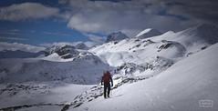 Explorador solitario/ Lonely explorer (Jose Antonio. 62) Tags: spain españa snow nieve mountains montañas montañero mountaineer clouds nubes naturaleza nature wow