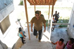 O Sec de Obras, Clóvis Raimundo, de camisa marron, fez vistoria no PAC de Porto das Caixas junto com a comunidade   (01) (itaborairj) Tags: vistoria pac porto sec obras clóvis 16032017