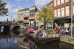 "Terrasboot in Leiden • <a style=""font-size:0.8em;"" href=""http://www.flickr.com/photos/45090765@N05/21453791413/"" target=""_blank"">View on Flickr</a>"