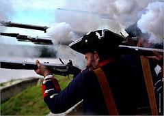 QZ 022 (cadayf) Tags: people soldier gun shoot 33 smoke poudre soldat patrimoine fume tir fusil gironde blaye