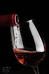 Whine Rose - Santa Emiliana. (Francisco RS.) Tags: detalle rose estudio alcohol copa vino iluminacion brillo whine liquido