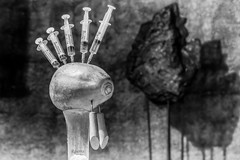 Rehab - Amy (rqserra) Tags: rehab amy amywinehouse pretoebranco black backtoblack bw pb reabilitação fineart finearts art arte fotoarte fineartist rqserra brazil brasil