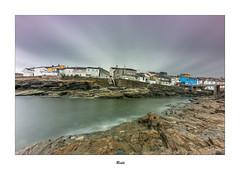 Rinlo... (Canconio59) Tags: rinlo nubes clouds casas house lugo galicia españa spain mar sea costa coast largaexposición