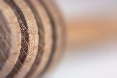 Honey thing! (Dikke Biggie.) Tags: macromondays macromonday macro closeup detail dof scherptediepte canon canoneos450d bokeh honeyspoon honinglepel honeything wood wooden hout houten line lines lijn lijnen dgawc canonnl 52in2017 19kitchen kitchen keuken