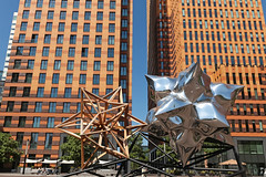 George Gershwinplein - Amsterdam (Netherlands) (Meteorry) Tags: sculpture holland building art netherlands amsterdam facade europe afternoon kunst south nederland july paysbas offices sud immeuble zuid noordholland gershwin bureaux 2015 meteorry frankstella artzuid rudifuchs georgegershwinlaan inflatedstarandwoodenstar georgegerwhwinplein