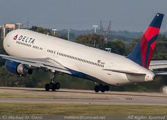 Delta Air Lines Boeing 767-332(ER) (N1609) (Michael Davis Photography) Tags: airplane photography nashville aviation flight jet delta boeing departure takeoff runway dl airliner jetliner bna boeing767 b767 767300 deltaairlines kbna nashvilleairport skyteam n1609