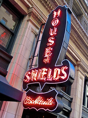 House of Shields, San Francisco, CA (Robby Virus) Tags: sanfrancisco california street new house sign bar pub neon district alcohol tavern booze montgomery cocktails financial shields signge