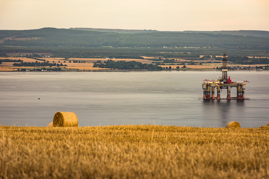 Rigs in Cromarty Firth 1