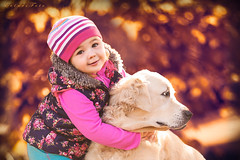 She is mine! (foto.evines) Tags: friends portrait dog pet cute smile kids children fun outdoors kid hug friend moody child play candid closeness ki childphotographer childphoto canistherapy evinesfoto