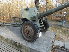 "85 mm divisional gun D-44 3 • <a style=""font-size:0.8em;"" href=""http://www.flickr.com/photos/81723459@N04/23644242966/"" target=""_blank"">View on Flickr</a>"