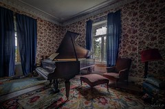 Haut de gammes [FR] (URBEX EXPERIENCE by Sylvain L.D) Tags: art photography vintage oldschool abandonned house maison professeur