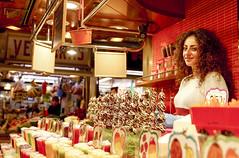 simply sweet (Meryçia) Tags: dolci venditrice la boqueria barcellona mercato ragazza girl desserts market cibo negozio food