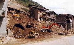 Tresenda (SO) - La Frana Maggio 1983 (Giorsch) Tags: italia italy italien lombardei lombardia lombardy provinciadisondrio tresenda erdrutsch frana disastro unglück landslide glissementdeterrain corrimientodetierra teglio valtellina veltlin alpi alps alpen berge montagne mountain
