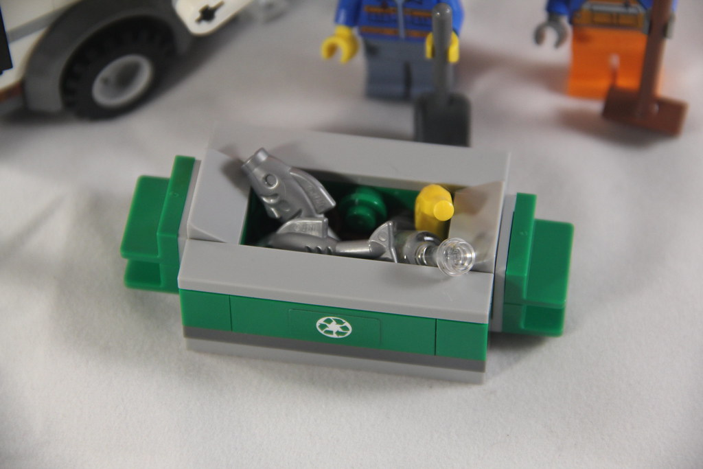 The World's Best Photos of bin and lego - Flickr Hive Mind