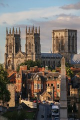 York Minster from the city wall - 1 (nican45) Tags: york light sunset building slr canon evening view walk yorkshire august citywalls railing dslr tamron warmemorial minster lendalbridge 2015 18270 incidentlight 18270mm eos70d 18270mmf3563diiivcpzd 10082015 10august2015