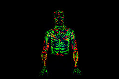 Zac-Bolay (Mönstrifer) Tags: male contrast colorful neon glow body highcontrast colores bodypaint blacklight glowinthedark jaguar bodyart neonblack