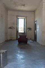Attesa (bar, poltrona e finestra) (ettorephoto) Tags: apicevecchia