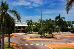 Roundabout, Cullen Bay, Darwin (betadecay2000) Tags: road street city summer urban streets estate sommer roundabout himmel australia darwin stadt roads australien verkehr wetter australie cullen sonnenschein palmen austral tropen schneswetter kreisverkehr strase cullenbay
