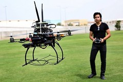 Un esacottero antincendio creato da studenti universitari di Ajman (DaVinciTech) Tags: ajman droni esacottero