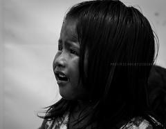 Indiazinha. (mariliapaula1905) Tags: girl sad dramatic triste menina sebastiaosalgado ndia