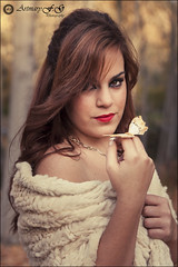 La dama de las alamedas (Art.Mary) Tags: portrait espaa woman canon mujer spain femme butterflies modelo papillon granada mariposa espagne fantasa dlar