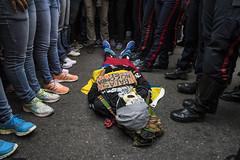Protesta opositora (Eneas) Tags: venezuela caracas protesta oposición mud botas tennis performance calaca piernas street calle people