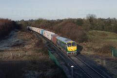226 on up IWT near Clonnydonin 17-Dec-16 (metrovick) Tags: irishrail iarnrodeireann ie201class ie226 railroad railway railwayoffaly iwtliner iwt freighttrain containertrain emd emdexportloco jt42hcw