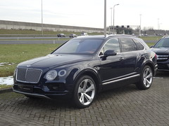 2016 Bentley Bentayga (harry_nl) Tags: netherlands nederland 2017 waardenburg bentley bentayga thijstimmermans