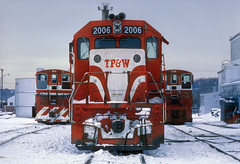 Eve for the TP&W (Moffat Road) Tags: toledopeoriaandwestern tpw emd gp382 sw1500 eastpeoria illinois locomotive train railroad il 2006 newyear'seve1983