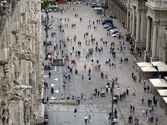 Piazza del Duomo (No_Mosquito) Tags: duomo milano church milan cathedral italia italy europe piazza people street urban city trip square lombardia
