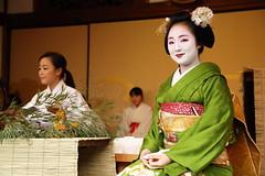 Maiko (Teruhide Tomori) Tags: 京都 日本 着物 舞妓 初えびす えびす神社 祇園 伝統 年中行事 kimono maiko kyoto japan japon lady woman tradition festival event ebisu gion