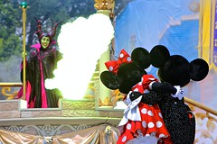 You haven't seen the last of me! (jordanhall81) Tags: world show green castle face dark mouse fire dragon with princess live stage character magic dream evil kingdom dancer disney mickey resort flame fairy mickeymouse devil diablo cinderella minnie minniemouse scared wdw walt performer along mk sleepingbeauty maleficent dawm dreamalongwithmickey