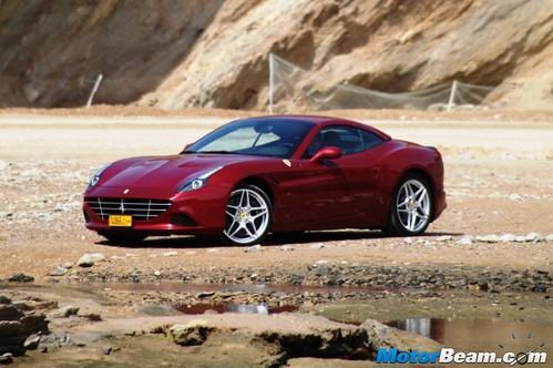 2015-Ferrari-California-T-15