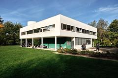 Villa Savoye - Le Corbusier (August Fischer) Tags: france arquitetura architecture photography arquitectura modernism august le architektur fischer architectuur corbusier arkitektur arkkitehtuuri  kadk archidose   dezeen  archdaily