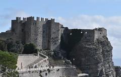 DSC_10226 (jhk&alk) Tags: italia italy sicilia sicily erice castle