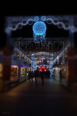Merry Christmas (lamnn92) Tags: christmasmarket toulouse placeducapitole lights colors blur vignette handheld night photography decoration people travel pentax k50 1855mm