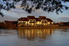 Hythe Marina Houses (Hythe Eye) Tags: hythemarina hythe hampshire reflectionshightide southamptonwater