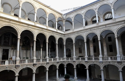 Palermo (Sicilia-Italia). Palacio de los Normandos. Patio Maqueda