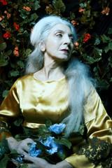 fi5 (sgladiate) Tags: woman age ageism preraphaelites fashion canon fineart paintings beauty