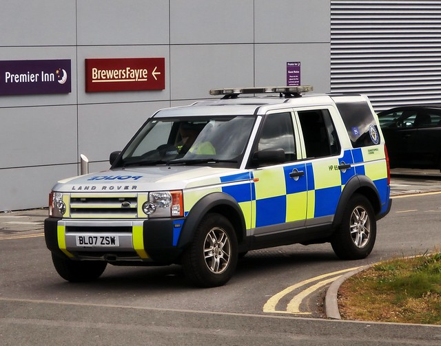 cops police policecar landrover discovery westmidlands copcar emergencyservices emergencyvehicle bl07zsw