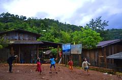 Who wishes (Marina Alcon .) Tags: amor niños bosque momento nubes risa jugando divertido ancianos eterno aldea vede extrangero