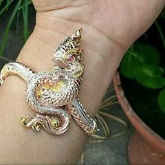 กำไรพญานาคเนื้อเงินแท้  ขนาดฟรีไซส์  สนใจติดต่อสอบถาม LINE ID : ninetyJewel  #เครื่องประดับ #พญานาค #เพชรพญานาค #แหวน #กำไล #จี้ #เงิน #เครื่องเงิน #jewelry #ring #เพชร #ทอง #925 #gold #silver #ลงยา