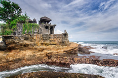 Purah Tanah Lot Temple, Bali, Indonesia (goneforawander) Tags: travel bali tourism indonesia island temple se nikon asia south tourist east backpacking southeast kuta denpasar d90 kediri goneforawander purahtanahlot enzedonline