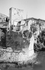 mostar (16) (Parto Domani) Tags: old bridge river war mostar bosnia fiume guerra ponte herzegovina neretva vecchio passerella turchi balcani artiglieria turco balcan croati erzegovina croato