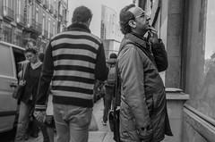 (Miguel Modrego) Tags: wow spain españa madrid candid street calle robado hombre man social urbana urban blanco y negro black white byn bn outdoor aire libre explorando exploring explore 35mm travel viaje nikkor nikon d7000 interesting people gente interesante