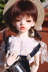 THE LAST SUNNY DAYS (Antique bag // Inesu_1) Tags: bjd dim makeup doll dollphotography dollportrait