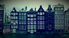 Damrak (pjfchad) Tags: damrak amsterdam houses narrowhouses window windows canal amsterdamcanal