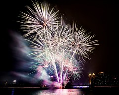 港灣花火 (Daiwa小宇) Tags: fireworks festival light bright partying flash flame spectacular explosion color beautiful nikon